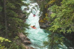 Kayakers-in-Maligne-Canyon